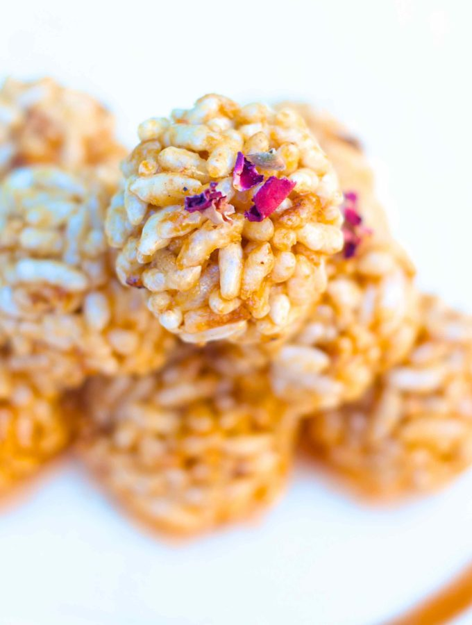 Murmura laddu or Puffed Rice Balls